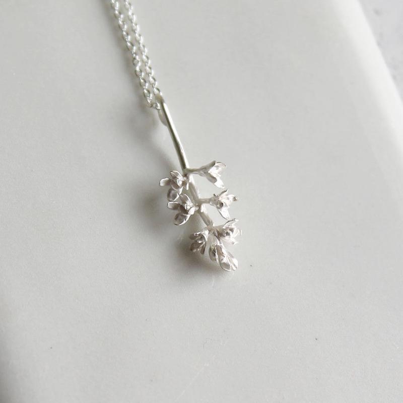 sv925 オリーブの花のネックレス