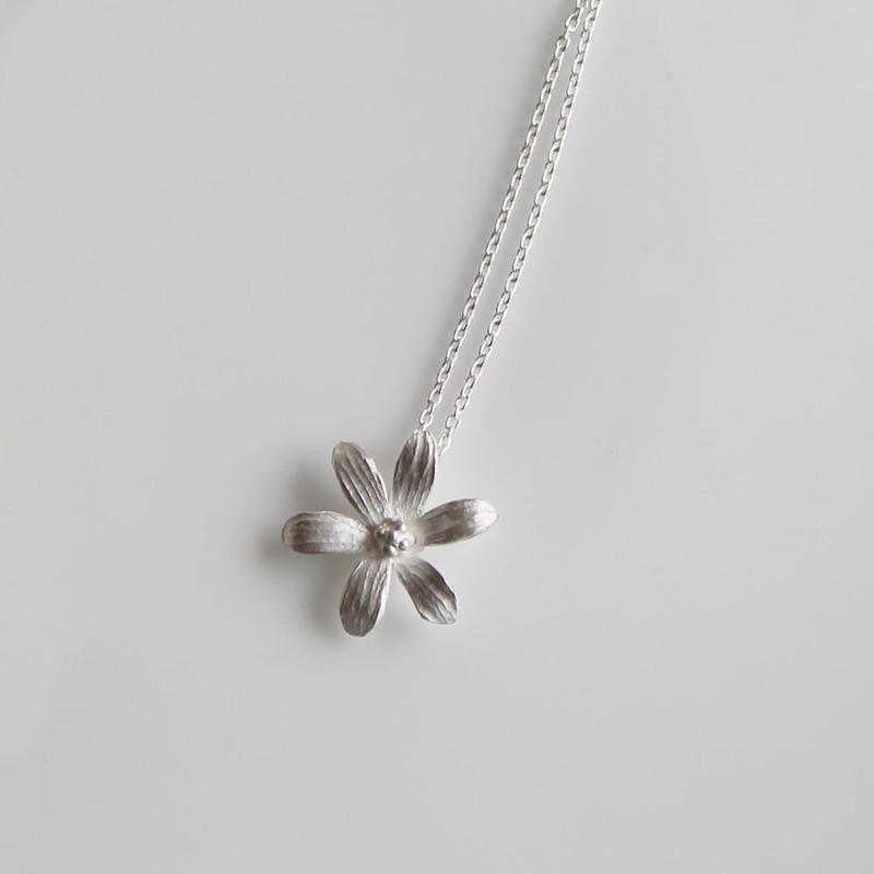 sv925 - 6枚の花びらのネックレス