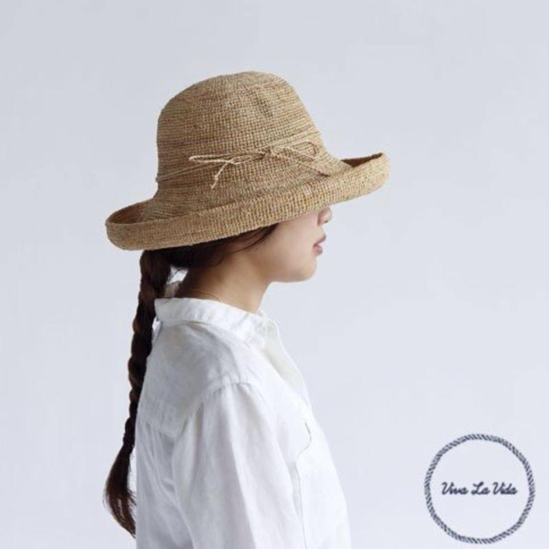 HAT  =  Derie =