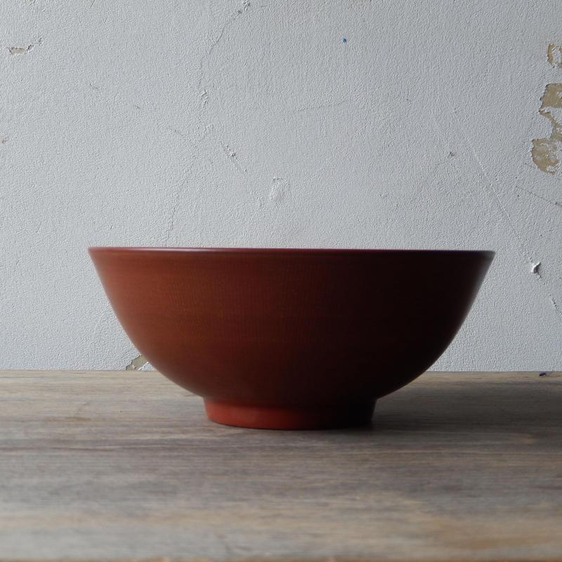 土田和茂  蓮の5寸鉢(弁柄)