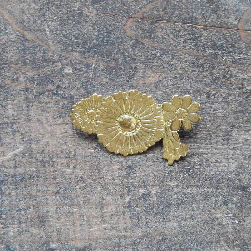 西川美穂 花のブローチ・小/ 真鍮