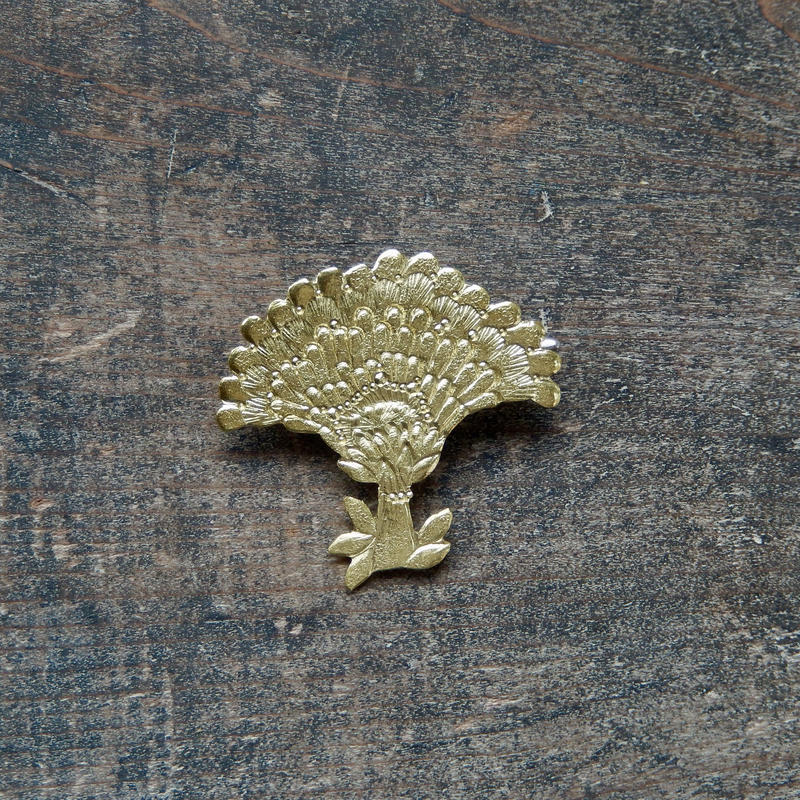 西川美穂 花のブローチ・大輪 / 真鍮