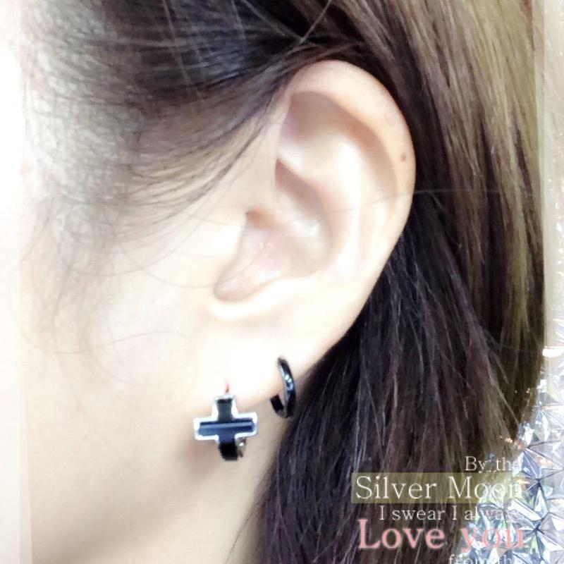 両耳用(2個セット) クロスモチーフ 十字架  シンプル ミニフープピアス ミニリングピアス シルバー ブラック ブラスピアス メンズ レディース アクセサリー