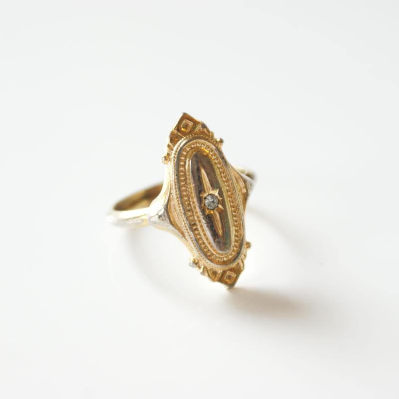 Special price【スペシャル プライス】AVONエイボン  アンティーク デザイン リング  指輪 / ヴィンテージジュエリー・アクセサリー