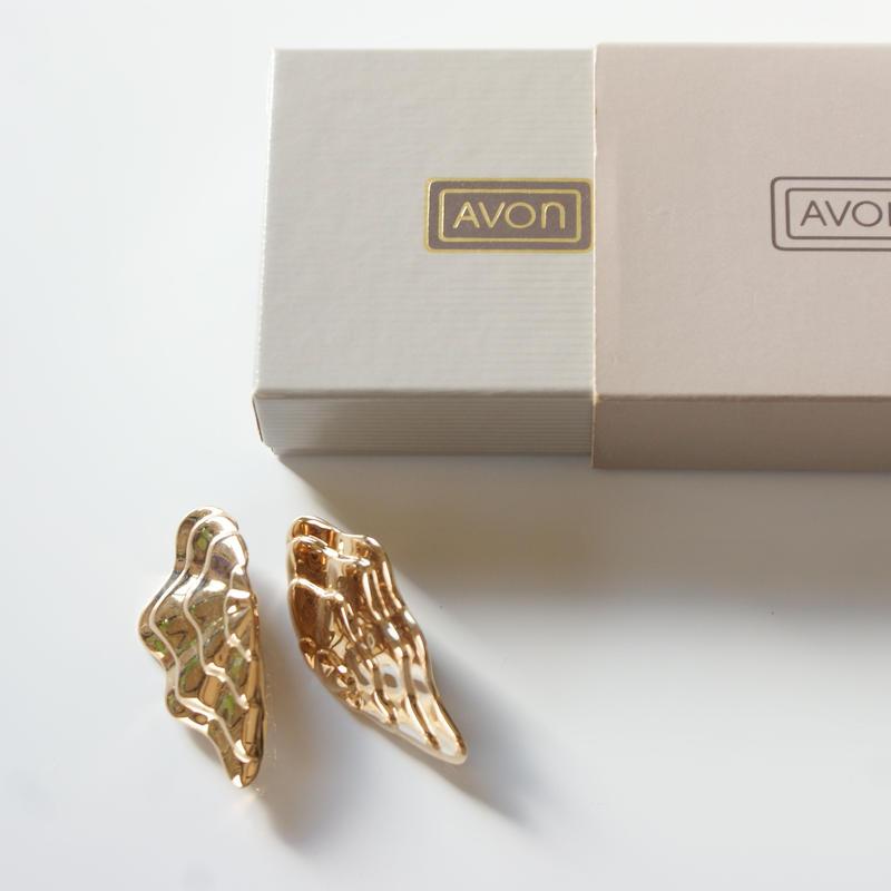 AVONエイボン ウィング フリル ゴールド イヤリング 箱BOX付き / ヴィンテージ・コスチュームジュエリー