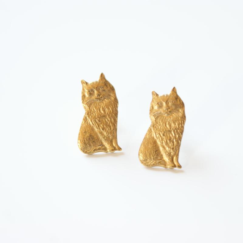 ペルシャ 猫 ゴールド ピアス / ヴィンテージアクセサリー