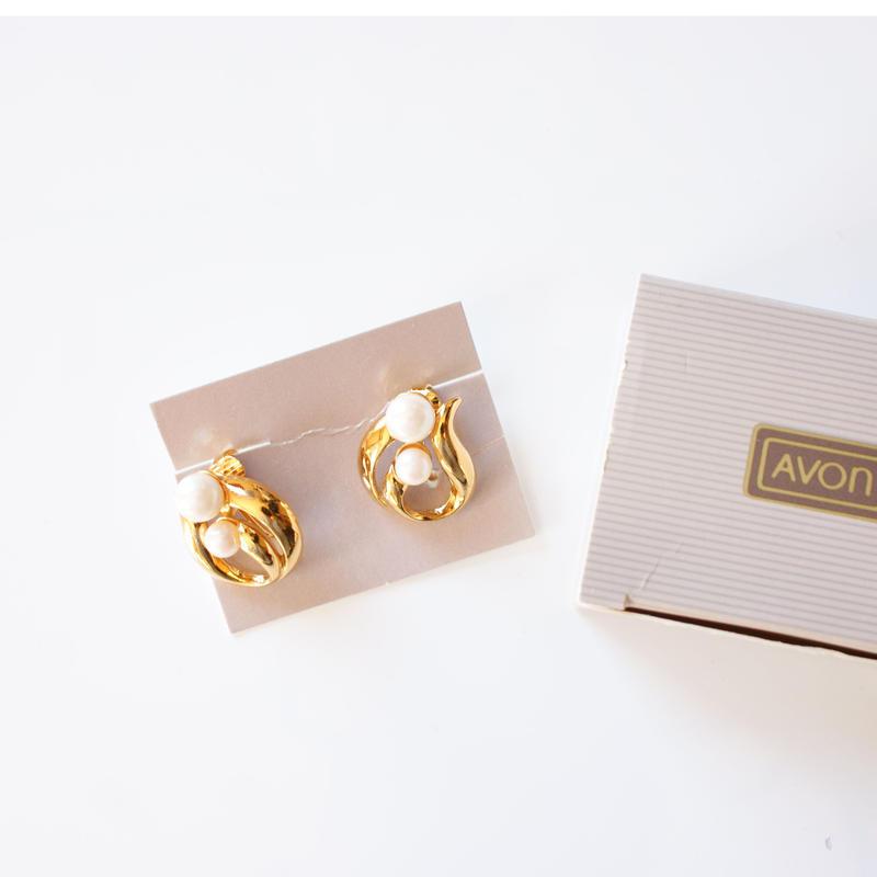 AVONエイボン パール ゴールド イヤリング 箱BOX付き / ヴィンテージジュエリー・アクセサリー