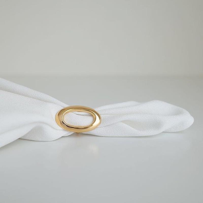 Zoe ring in gold