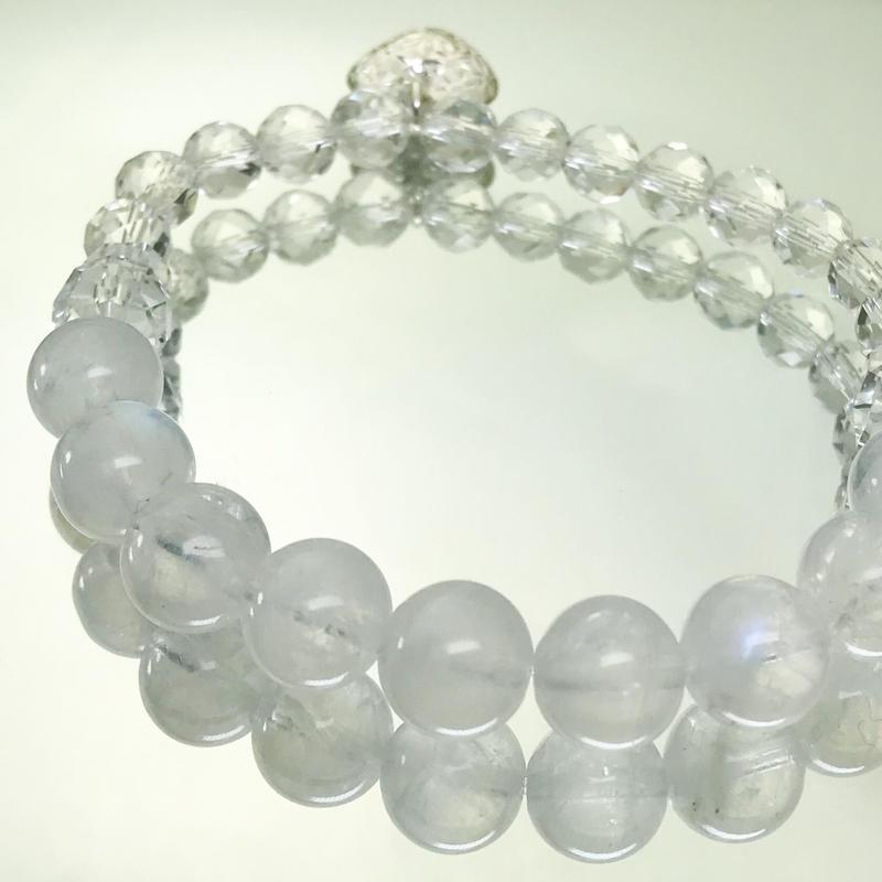 【上弦の月ブレスシリーズ】ムーンストーンと高品質カット水晶