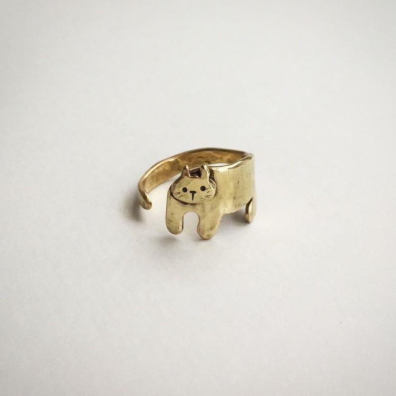まとわりネコのリング