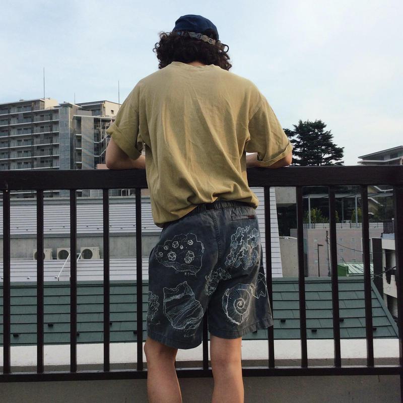 【on GRAMICCI】 OMA overdrawing shorts 11  stone|石