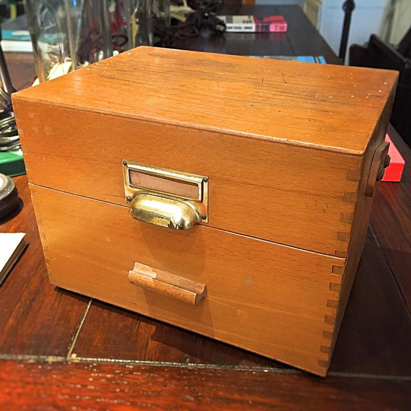 書類ボックス