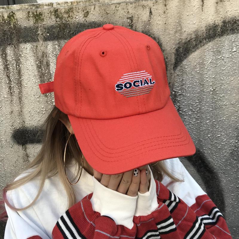 「social」キャップ