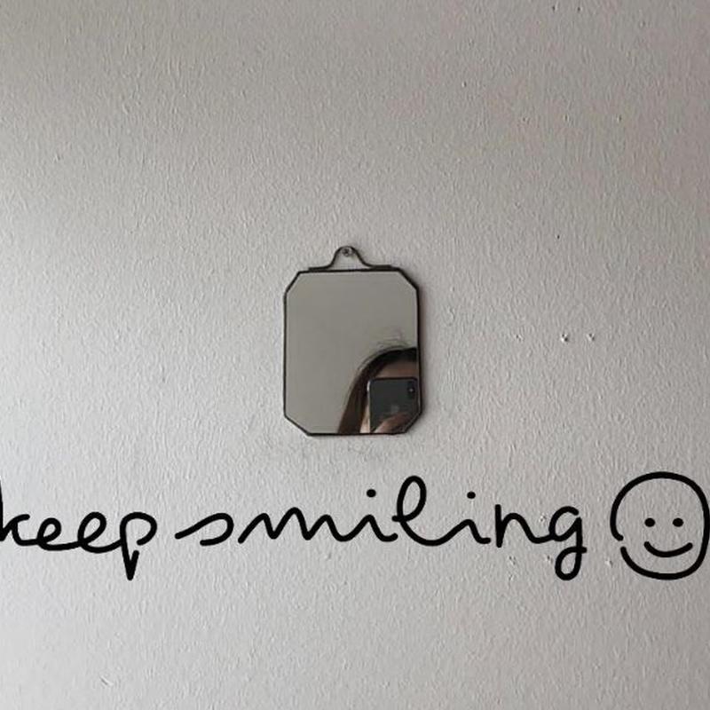 Keep smilingウォールステッカー