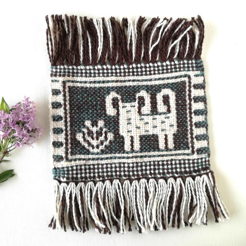 ヤノフ村の織物 ミニタペストリー 羊のほほえみ(20×14cm)#2374