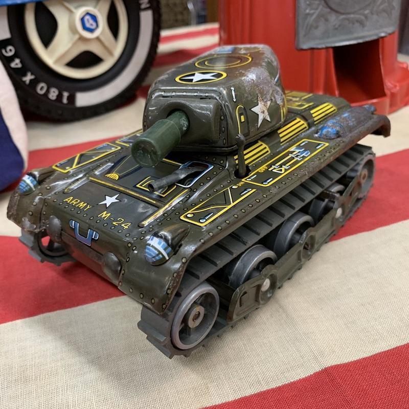 [toy car]  ブリキ 戦車 ARMY M-24