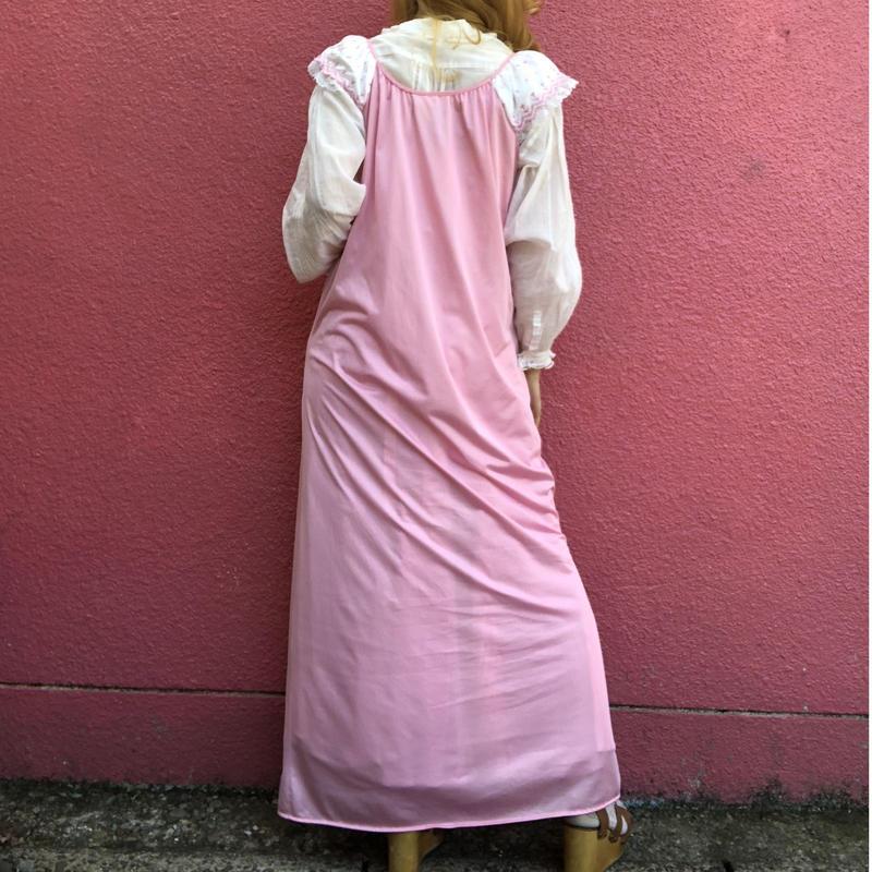 ヴィンテージ 花刺繍 ピンクのロングランジェリードレス