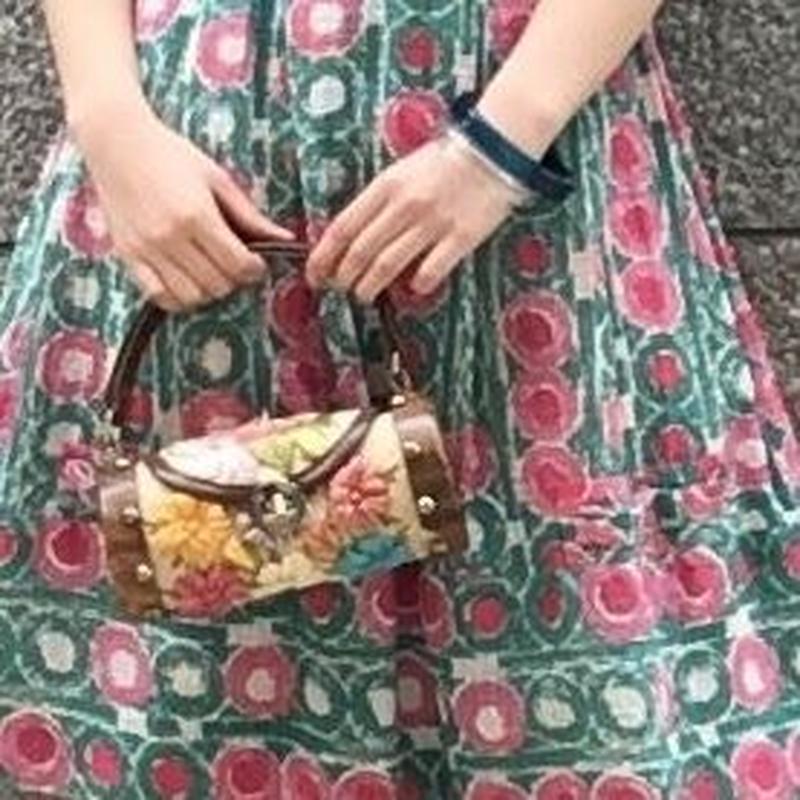 ヴィンテージ 花模様編み込みのミニバッグ