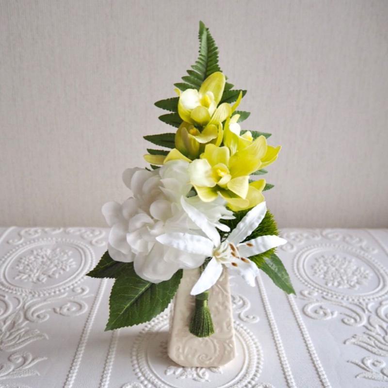 ●新作 お供え花【モダン 仏花】上品 ホワイト& グリーン*プレミアム舞花 B30