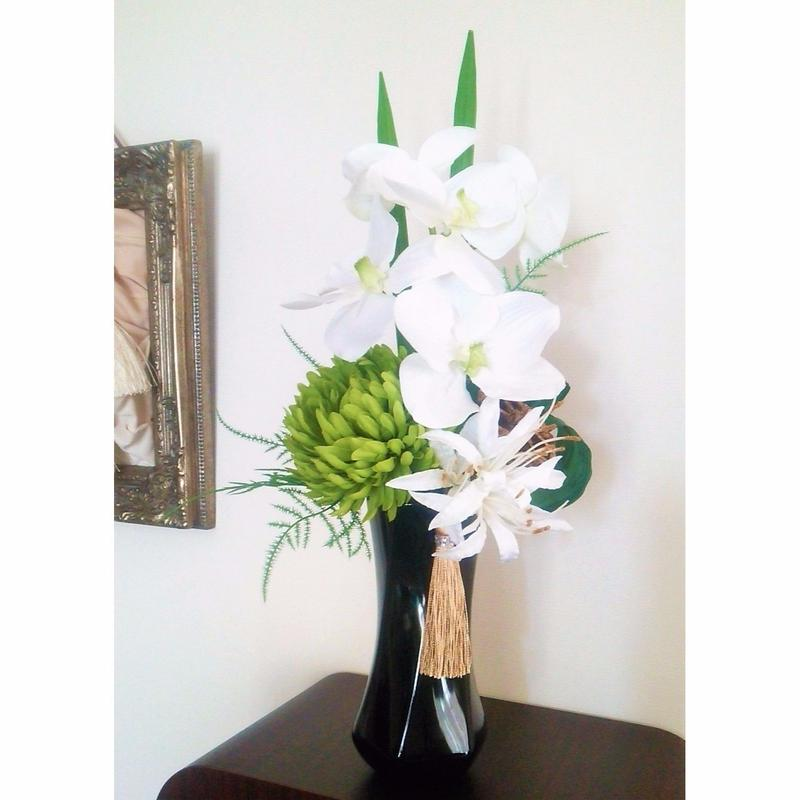 *新色【モダン 仏花】上質 お供え花 おしゃれな上品 ホワイト×グリーン *蝶花B22