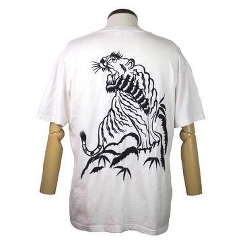 百花繚乱(ひゃっかりょうらん) 虎刺繍Tシャツ