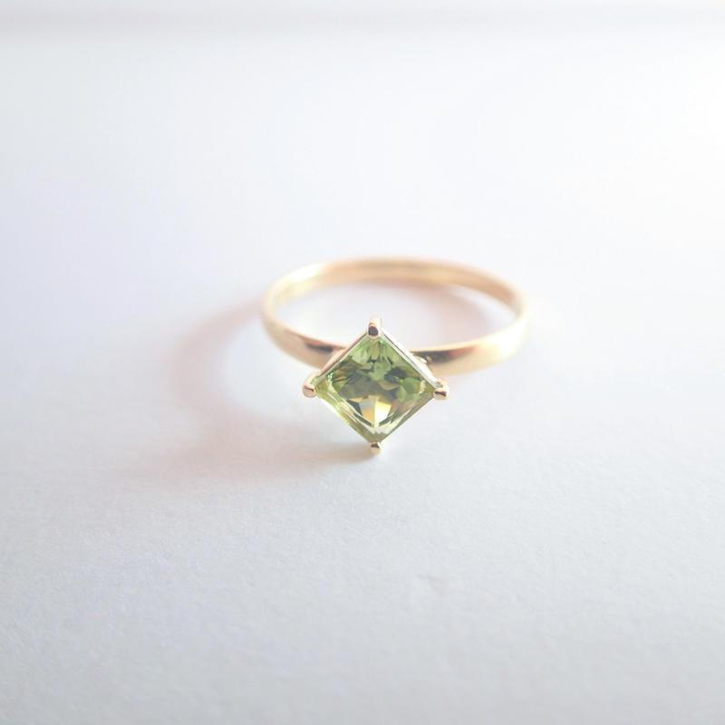 amulet ring(プリンセス/ペリドット)