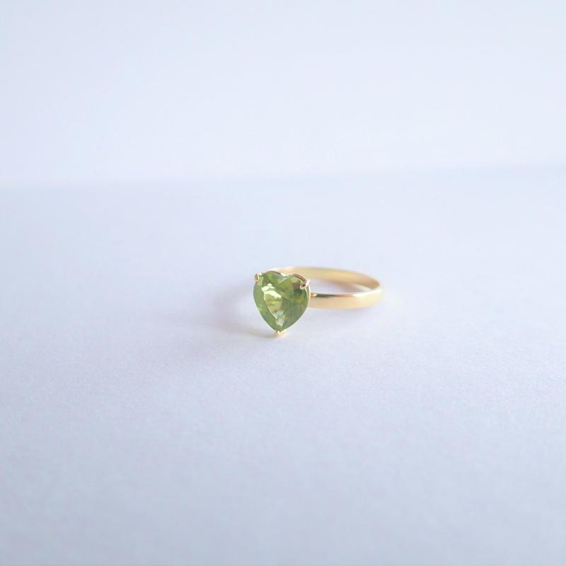amulet ring(ハート/ペリドット)