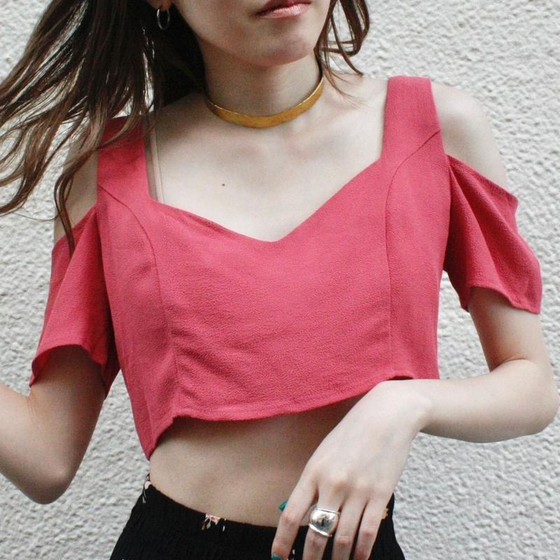 【Used】pink offshoulder tops/ピンクオフショルダートップス