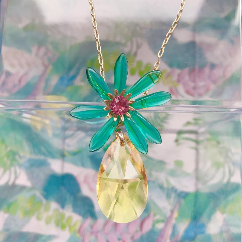Flower pineapple ネックレス