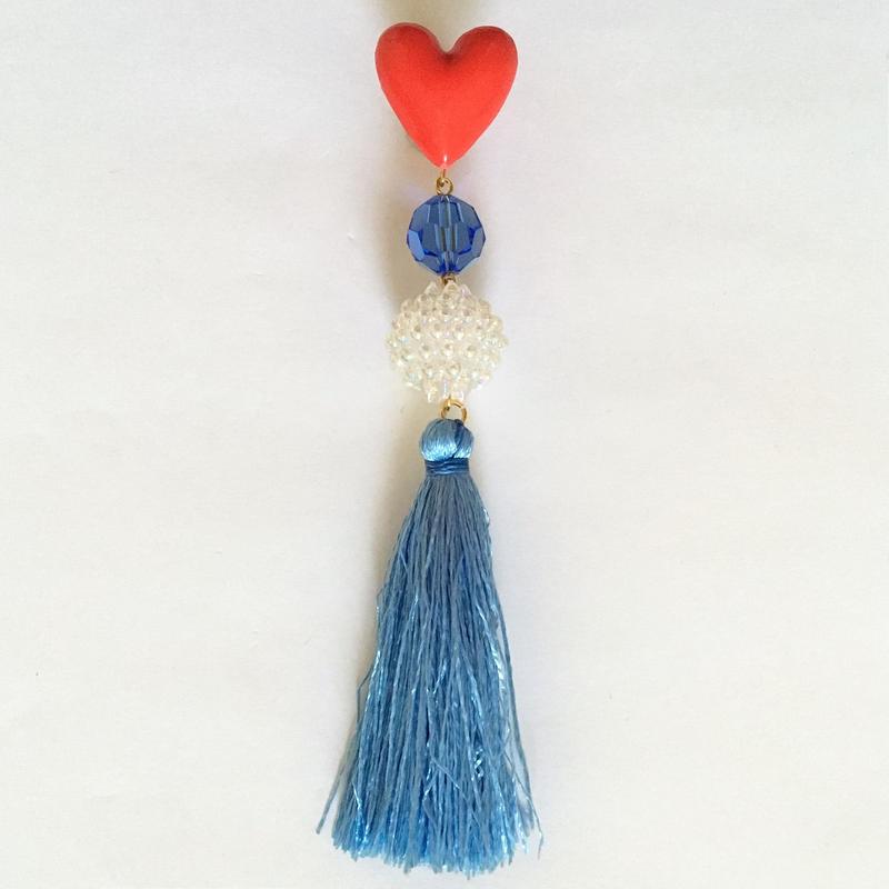 HEART & RIGHT BLUE TASSEL 片耳ピアス