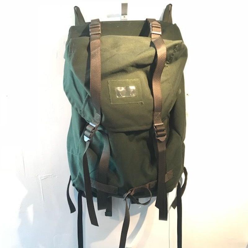 スウェーデン軍フレーム付きバックパック(未使用品)