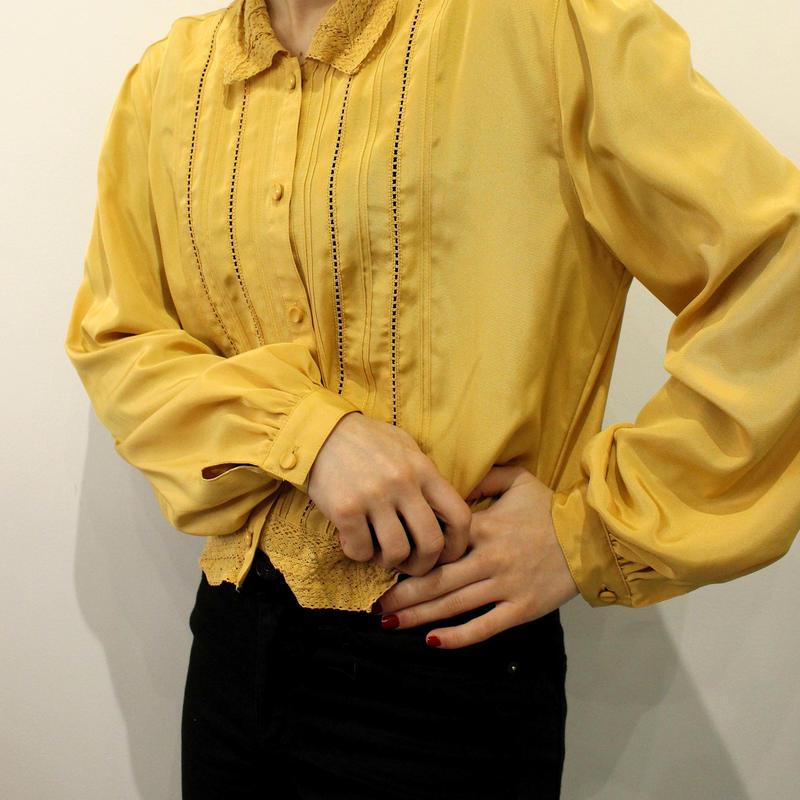 short lace  blouse