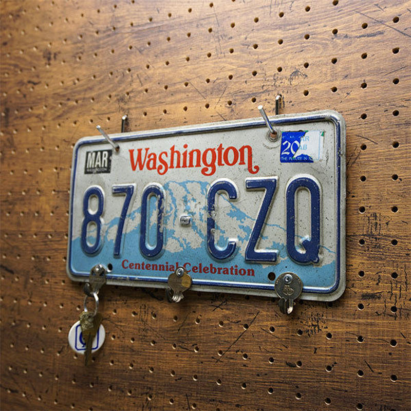 "Number plate ""KEY""holder B"