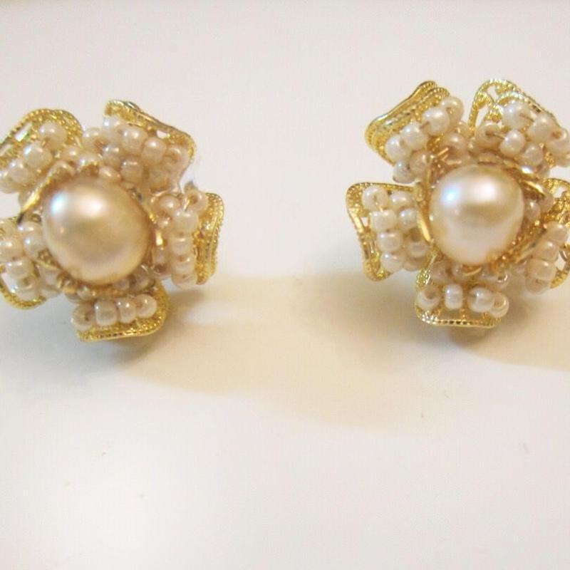 Vintage pearl flower