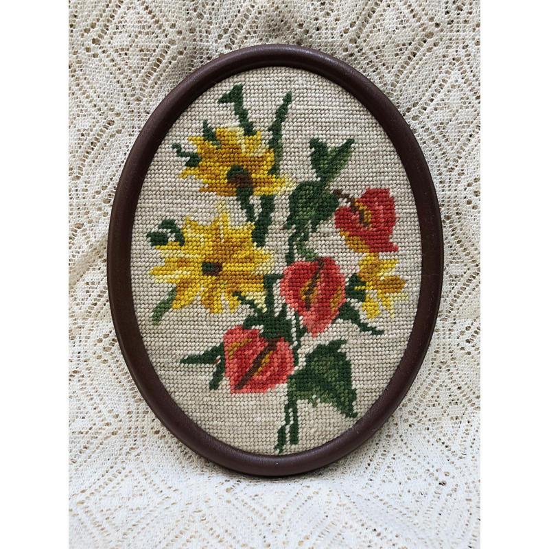 刺繍壁飾り
