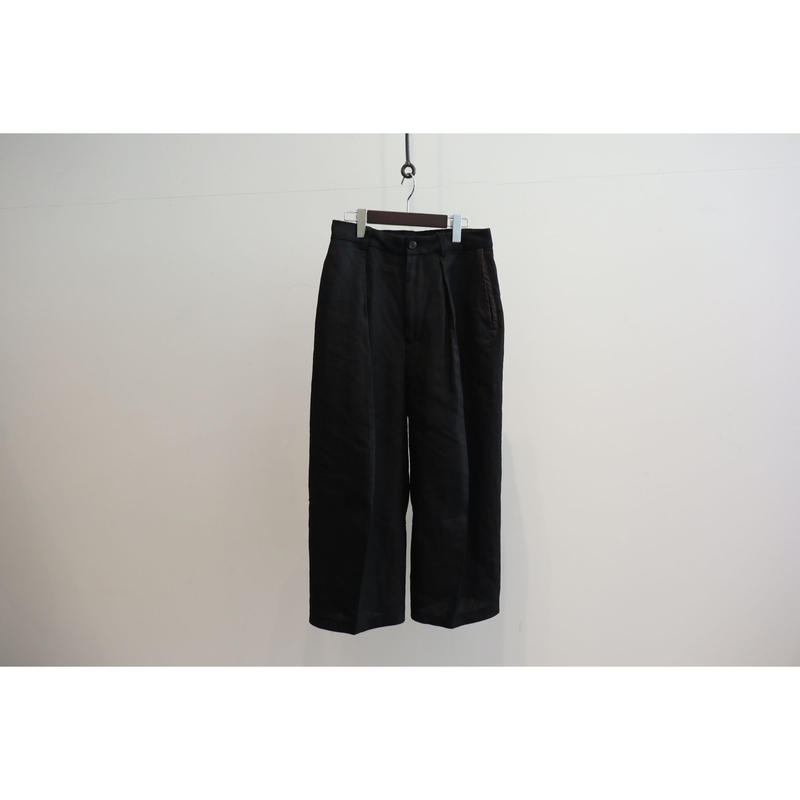 MAINU : SLEEVE PATTERN CUTTED TROUSERS