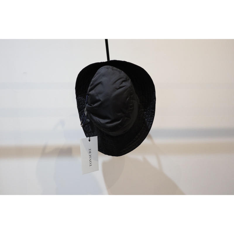 TONSURE : Bucket Hat in Padded Nylon