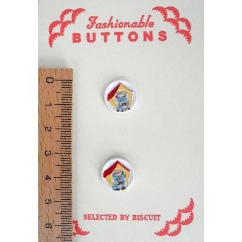 ボタン 犬小屋