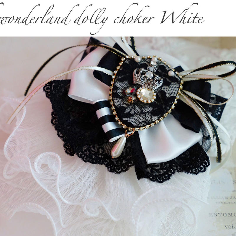 Time of wonderland dolly  choker White