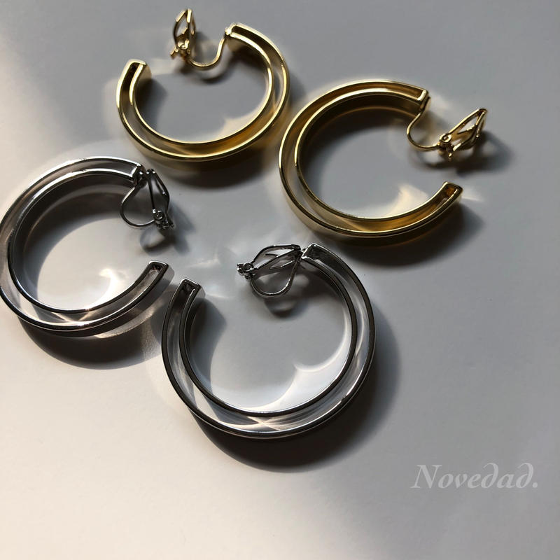 Double metal hoop earring