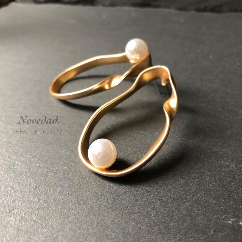 twist pearl pierce