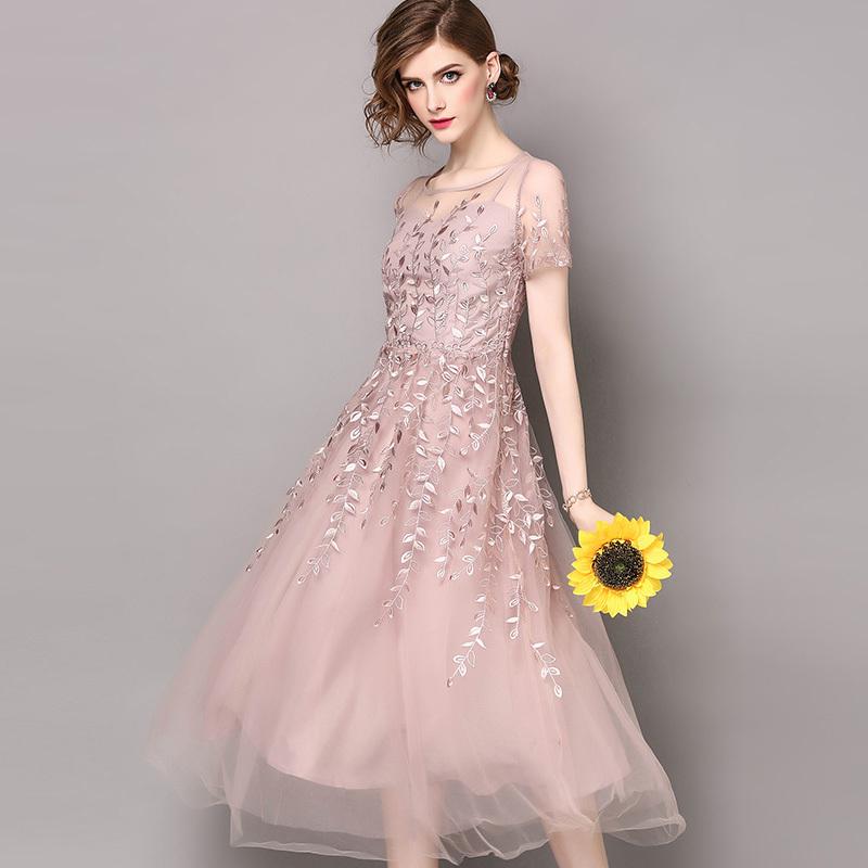 20代 まるでお姫様のようなふんわりシフォン素材のロング丈ドレス
