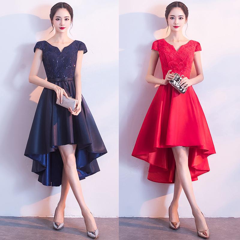 花柄レースと光沢感のあるテールスカートがエレガントな半袖ミモレ丈フレアワンピース