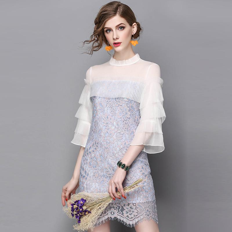 20代 袖のフリルが可愛い花柄総レースミニ丈ドレス