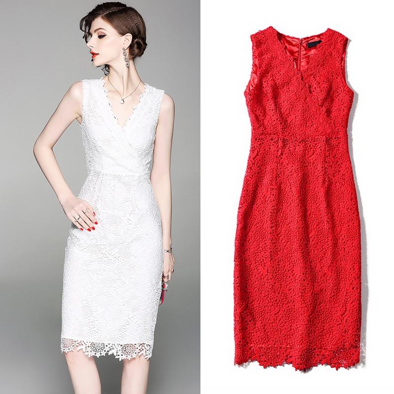 20代30代 シンプルで上品なキレイめスタイルひざ丈タイトドレス