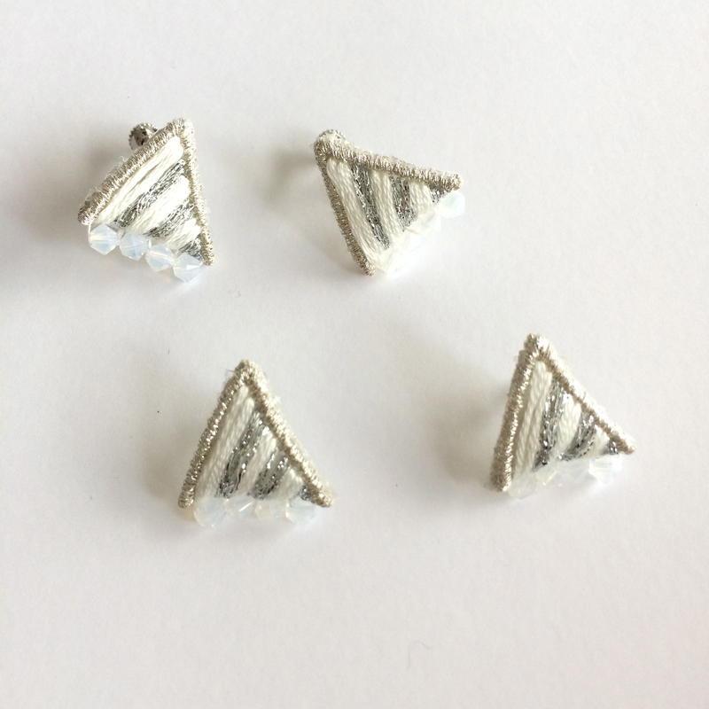 patterie*prism stripe triangle pierce/earring