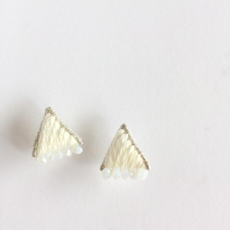 patterie*PUFF TRIANGLE pierce/earring