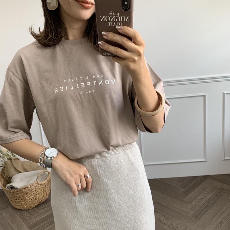 ユニセックスロゴTシャツベージュ
