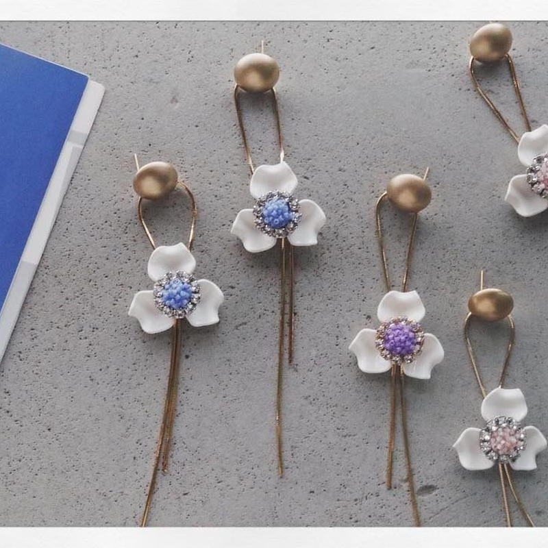 Long Chain Flower