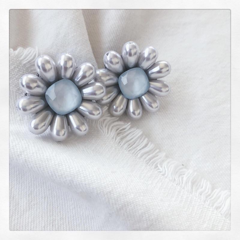 Pale Bleu Margaret